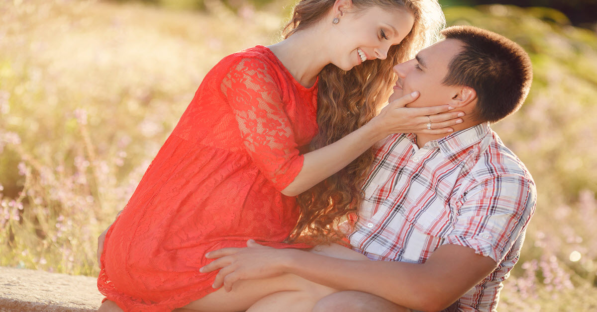 3 things men cannot resist in a woman